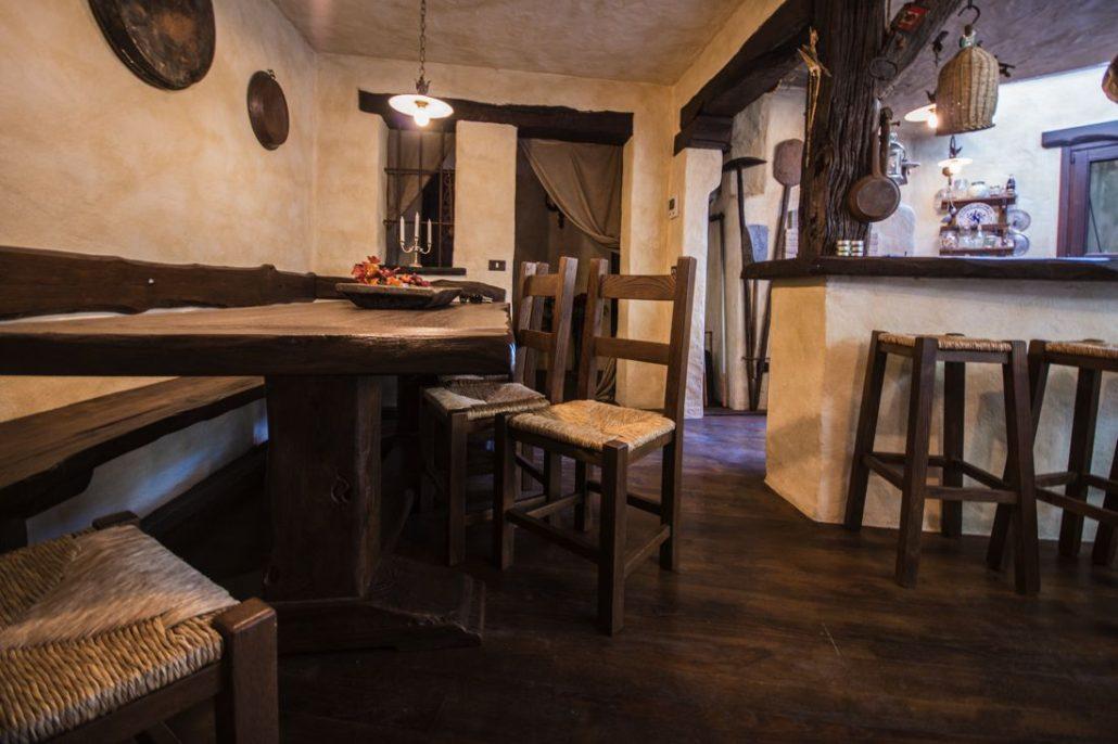 Tavernette mobilificio giovannetti alfero san piero in bagno for Giovannetti arredamenti