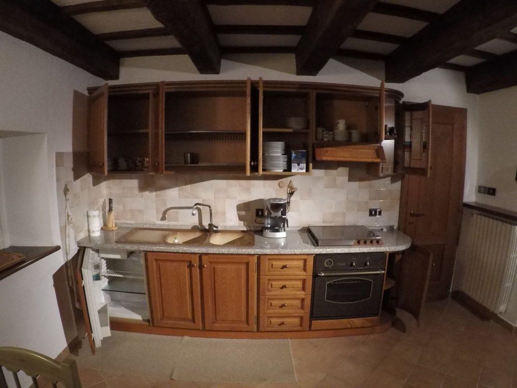 Cucina in castagno - Mobilificio Giovannetti Alfero San Piero in Bagno