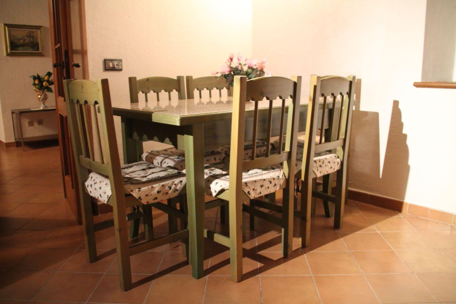 Tavolo in pino verde mobilificio giovannetti alfero san for Giovannetti arredamenti