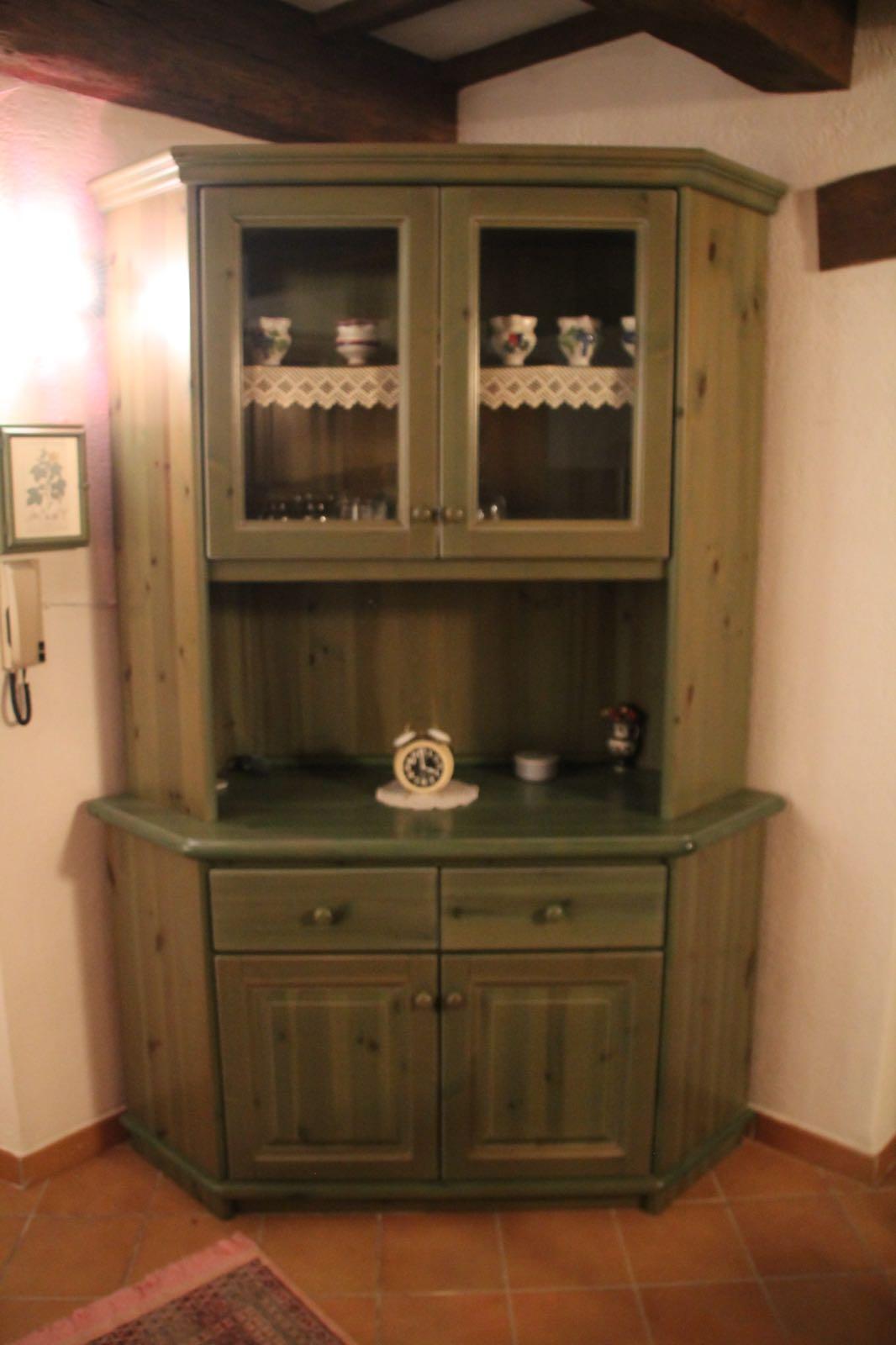 Vetrina in pino verde mobilificio giovannetti alfero san for Giovannetti arredamenti